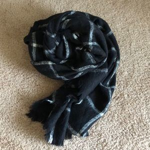 ZARA - Black/White Check Scarf
